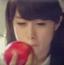喂朴智妍吃苹果