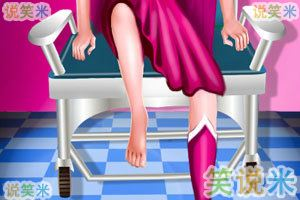 芭比超人腿受伤了